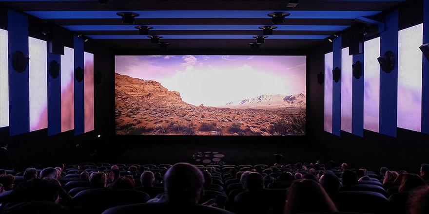 عيش التجربة الأكثر انغمارا في سينما ايميرسيف ڤوكس سينما السعودية ڤوكس سينما السعودية